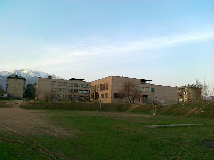 22.04.2011 Двор в 6-ой школе